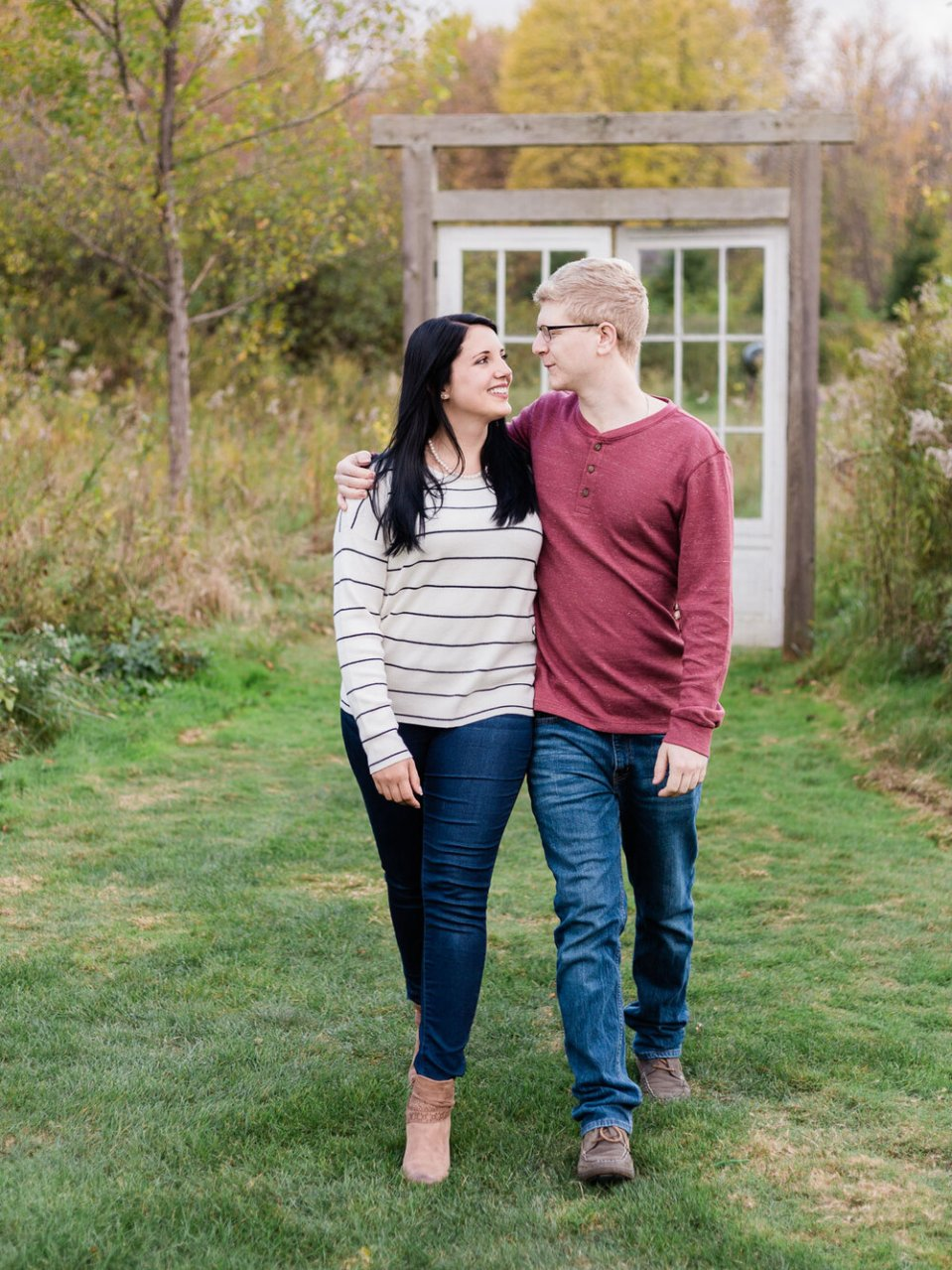 ThornCreek Winery Fall Engagement Photos-6.jpg