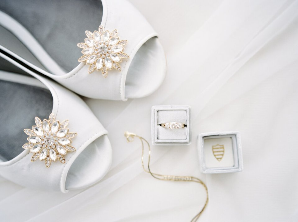 full-classic-romantic-cleveland-wedding-by-matt-erickson-photography-11.JPG