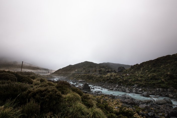 a foggy morning on the hooker valley hike