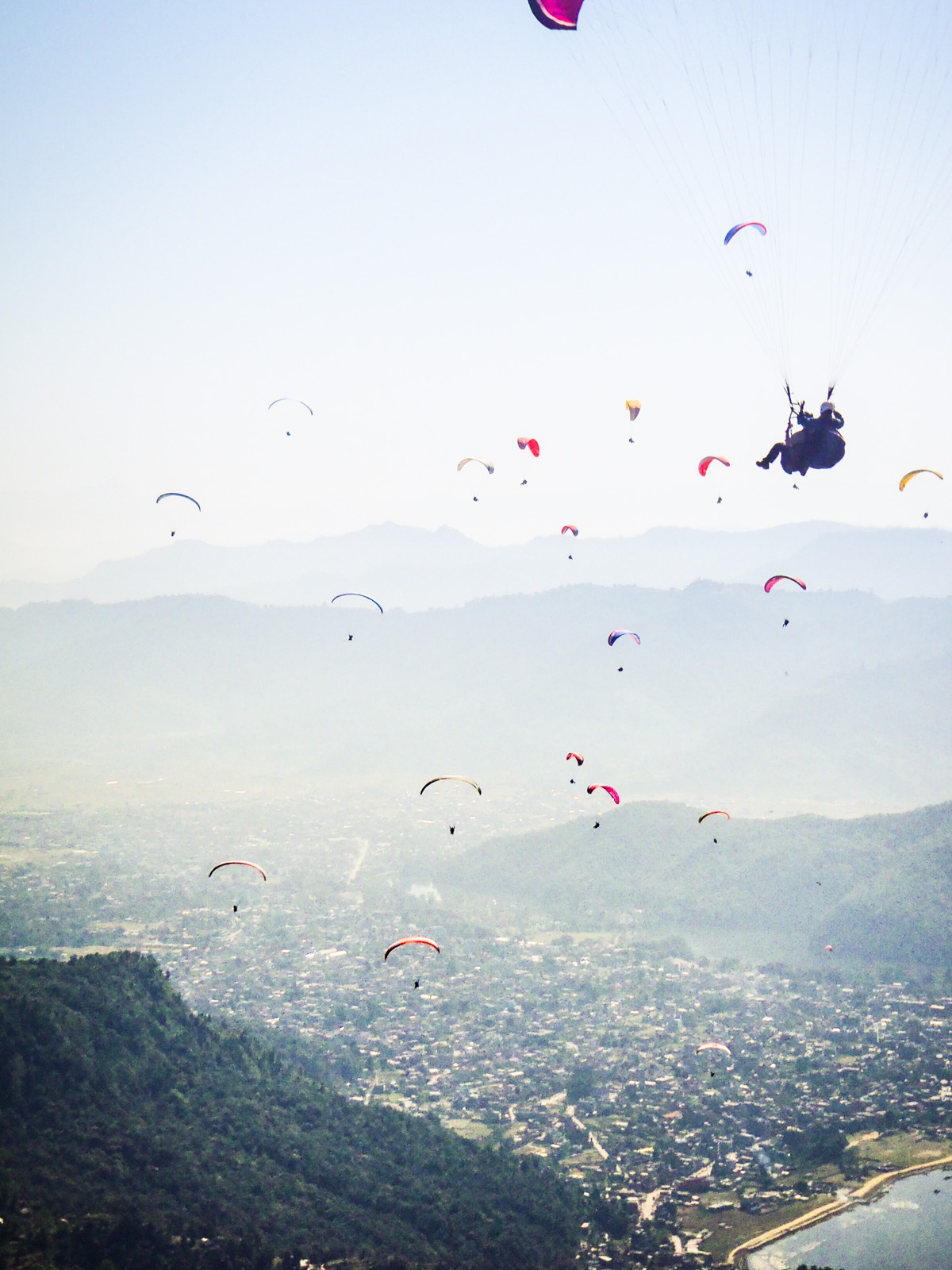 paragliders-flying-over-pokhara