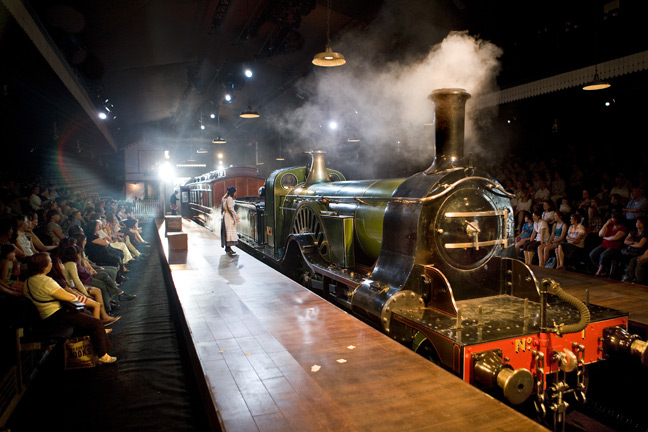 The Railway Children, Waterloo Station