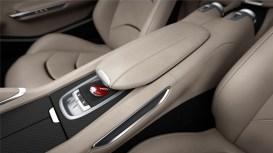 New_160060-car-Ferrari_GTC4Lusso_central_console