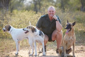 Richard Sowry takes some time out with Kombi, Jetta and Ngwenya. PICTURE: Ravi Gajjar