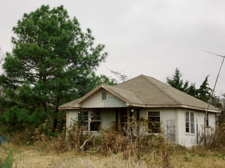 Urbex of an abandoned house in East Texas