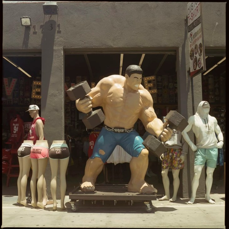 Hulk like bodybuilder at Venice Beach