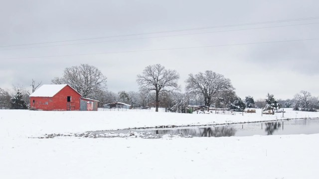 A red barn in the 2010 East Texas snowstorm