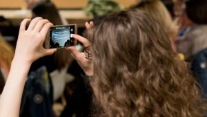 Mobiler Journalismus gibt Menschen weltweit eine Stimme.