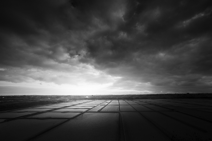 Photo de paysage en noir et blanc
