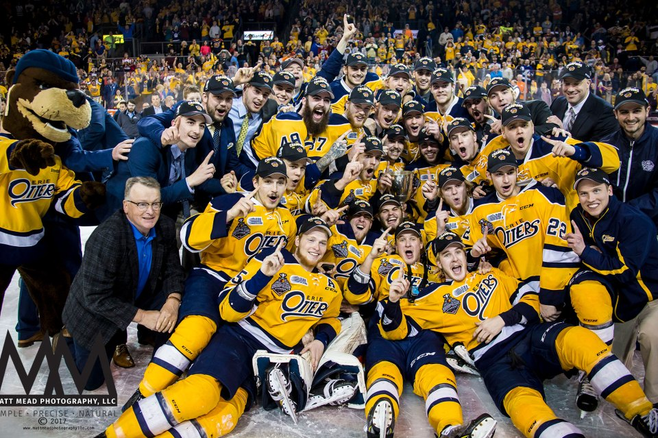 Erie Otters Hockey Club with Robertson Cup