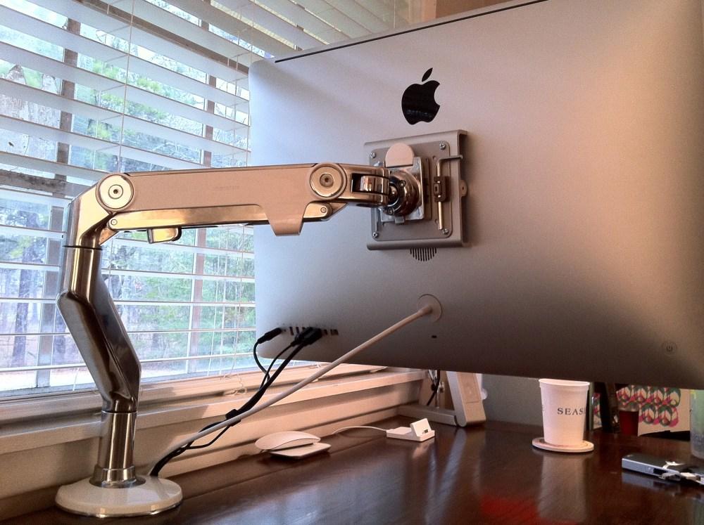 iMac + Humanscale M8 (6/6)