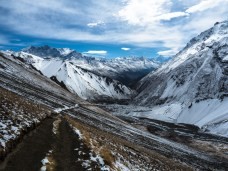 Amazing views on the way up to Tilicho lake before the snow melted away