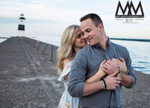 erie pa engagement lighthouse in background photo