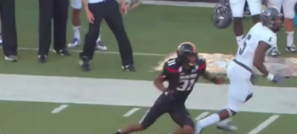 Dezmin Lewis a split-second away from a difficult sideline grab. He made his life more difficult than he needed at the Sr. Bow, but there's a silver lining.