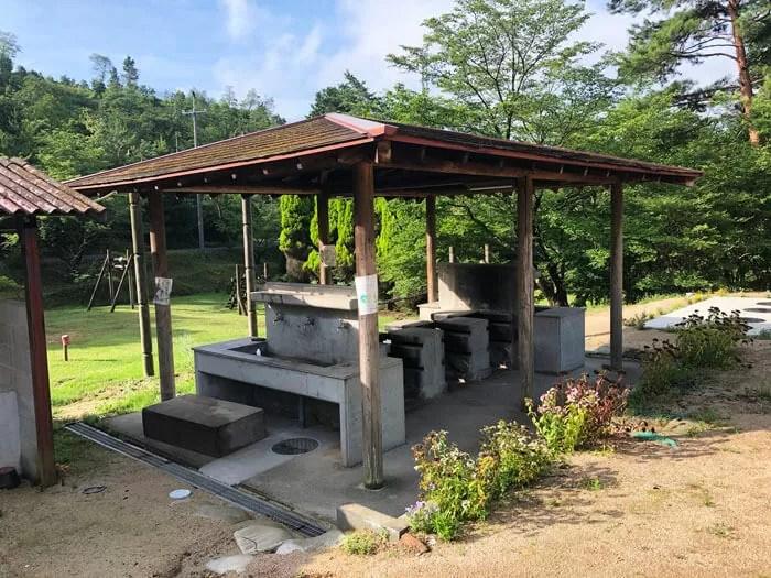 亀島キャンプ場の炊事棟