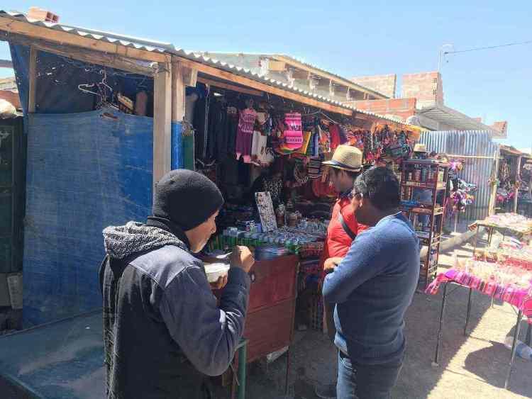 アルテサニアス・デ・コルチャニ市場