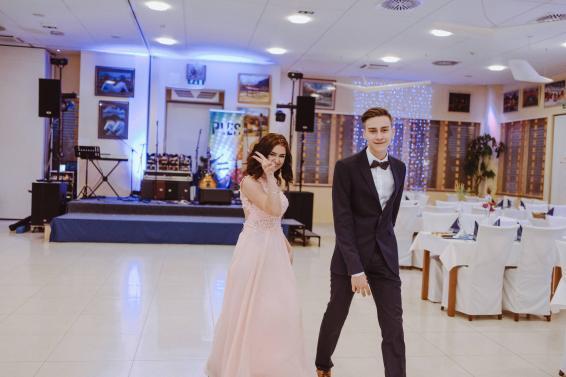 20180303-Maturantski-Ples-Farmacevtska-šola-4b-Galaksija-198