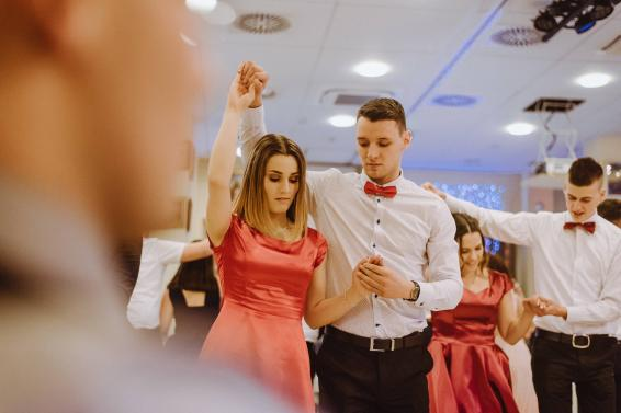 20180303-Maturantski-Ples-Farmacevtska-šola-4b-Galaksija-4116