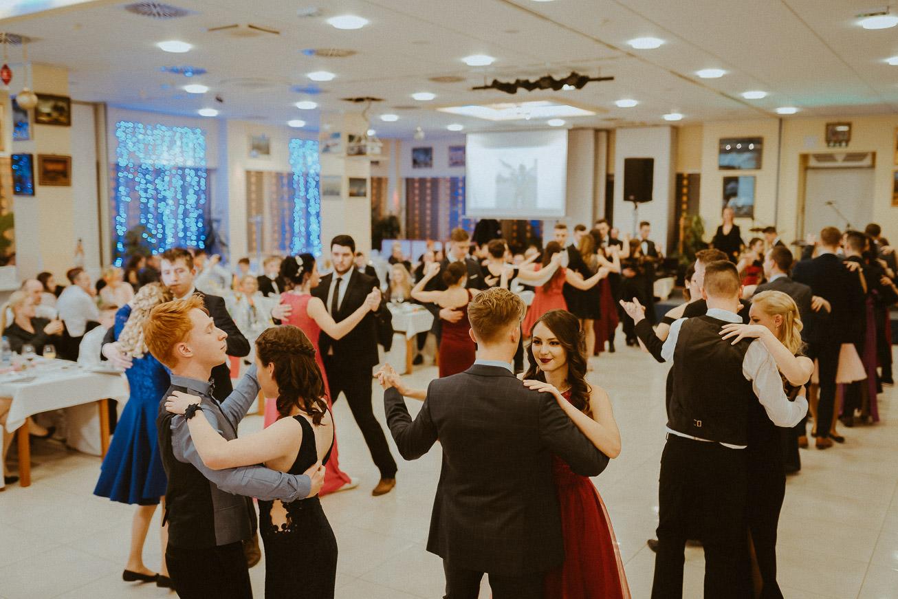 20190207 Maturantski Ples Zdravstvena šola Z4B 0869