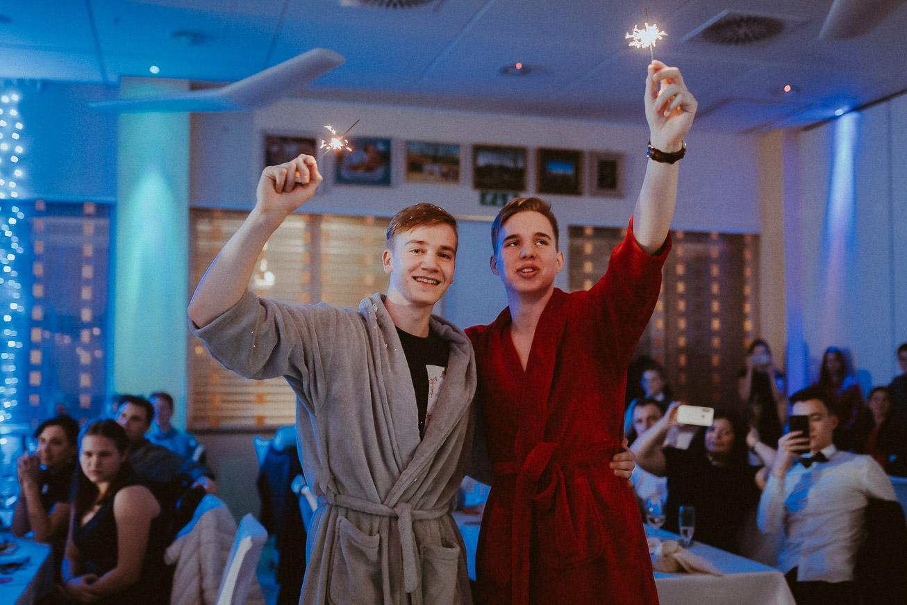 20190207 Maturantski Ples Zdravstvena šola Z4B 1834