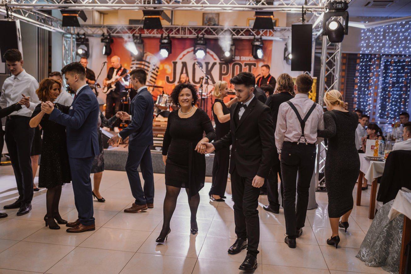 Gospodarsko razstavisce Ljubljana fotograf maturantski ples 43