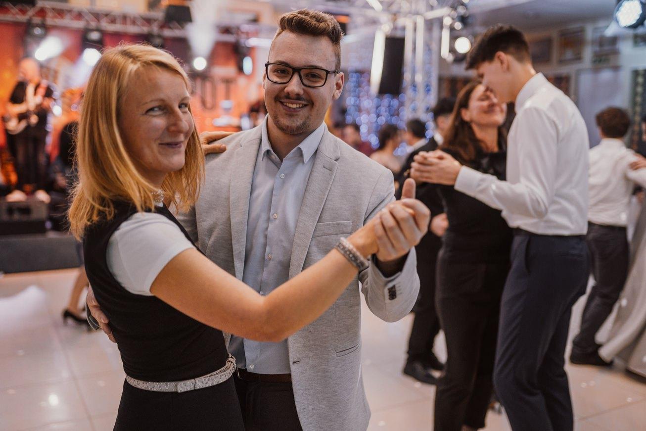 Gospodarsko razstavisce Ljubljana fotograf maturantski ples 45