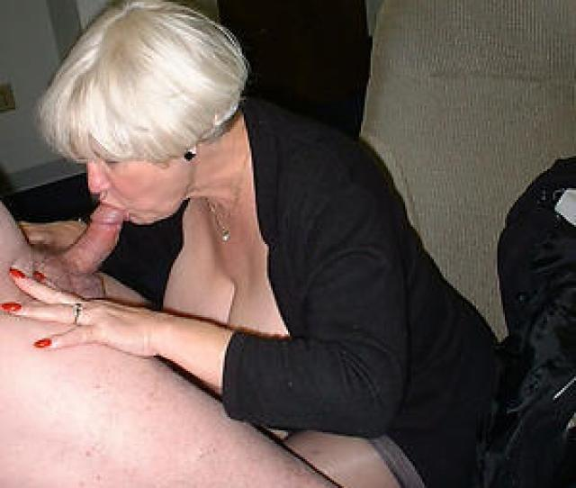Hotties Sexy Mature Blowjob