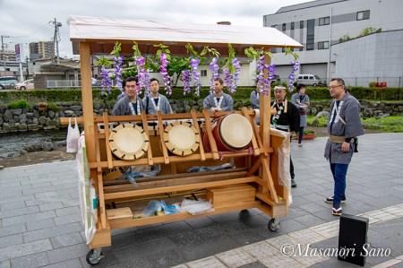 富士宮囃子保存会の底抜け屋台を使います