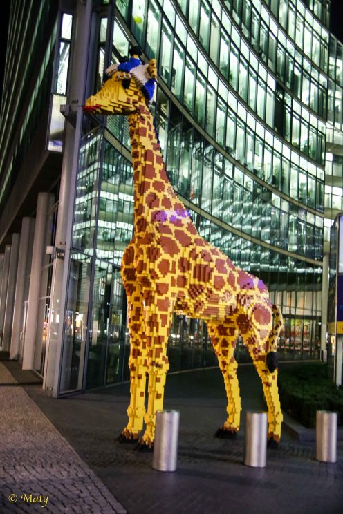 Girafe made out of Lego blocks at Potsdamer Platz.