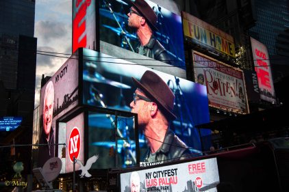 Live concert on the Times Square - it never stops