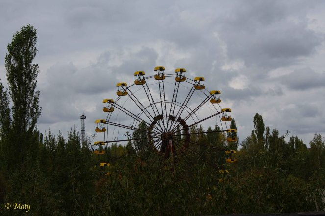 and this ferris wheel is just a reminder