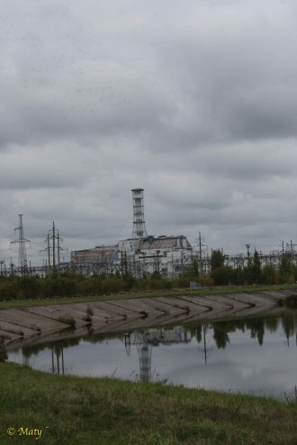 reactor 4 and supporting structures from the distance