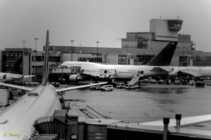 747 is getting ready for the flight