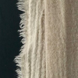 natural-merino-wool-throw-maud-interiors