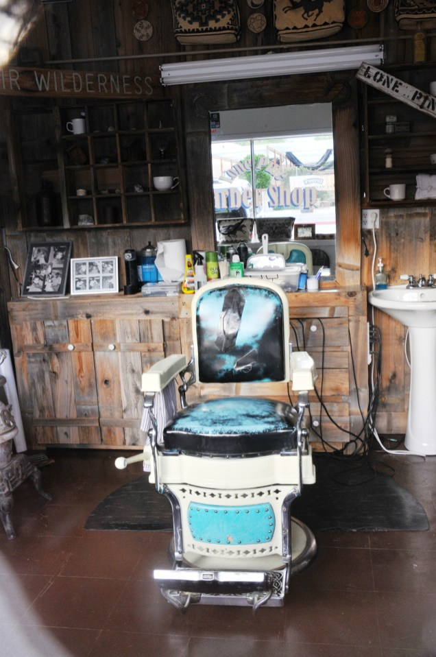 BARBER SHOP LONE PINE