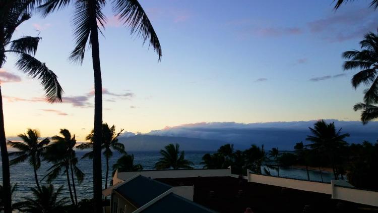 sunset view from wailea beach resort marriott - maui happy hours