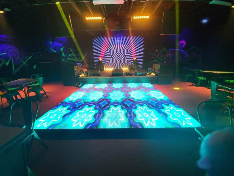Maui Live Music Venue - Da Playground
