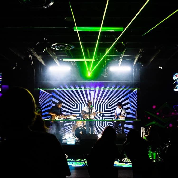 Happy Hour Da Playground - Maui Live Music - Rhythm Sons