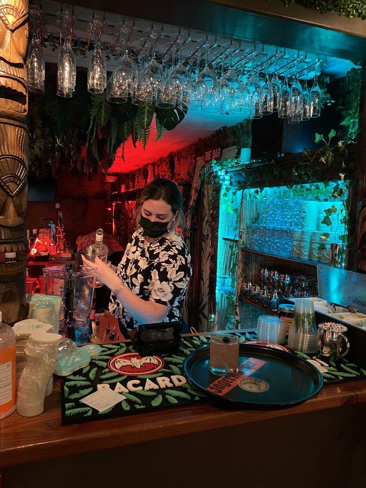 Happy Hour at Kitchen 5315 Napili Maui