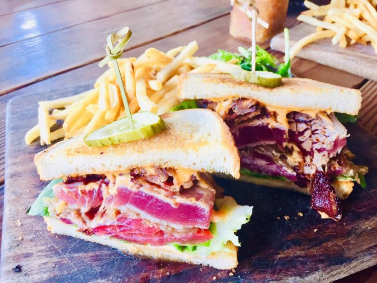 Seared Ahi Sandwich at Nalus Maui Happy Hour