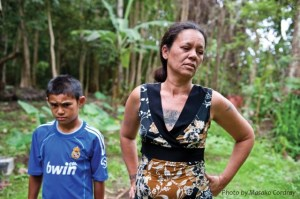 Moeana Besa and her family live in a part of Tahiti plagued by little fire ants. Photo by Masako Cordray