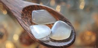 moonstone healing gemstones