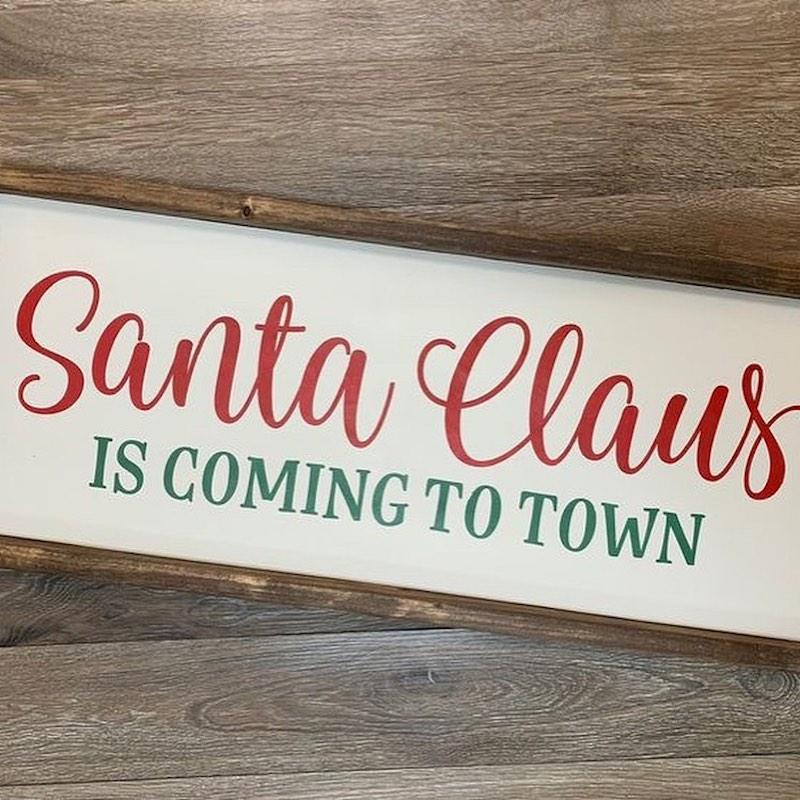 Santa Arrives QKC Maui