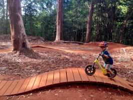Maui kids biking