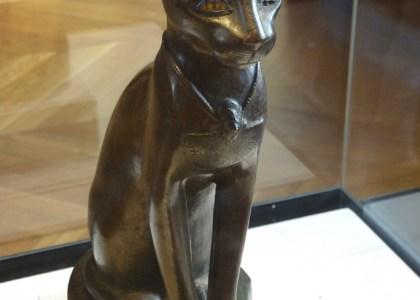Museo del Louvre - La diosa gata Bastet