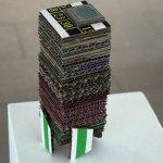 "8, 23, 30 (de la serie Totems temporales), 2017, cartón impreso pegado, Alê Souto, exposición ""Hacia Arriba""."