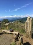 神奈川の大野山へハイキング、素晴らしい展望の山頂でゆったりごはん