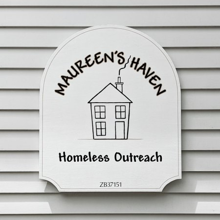 Maureen's Haven sign