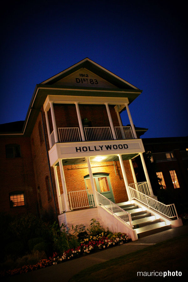 wedding pictures at the Hollywood Schoolhouse
