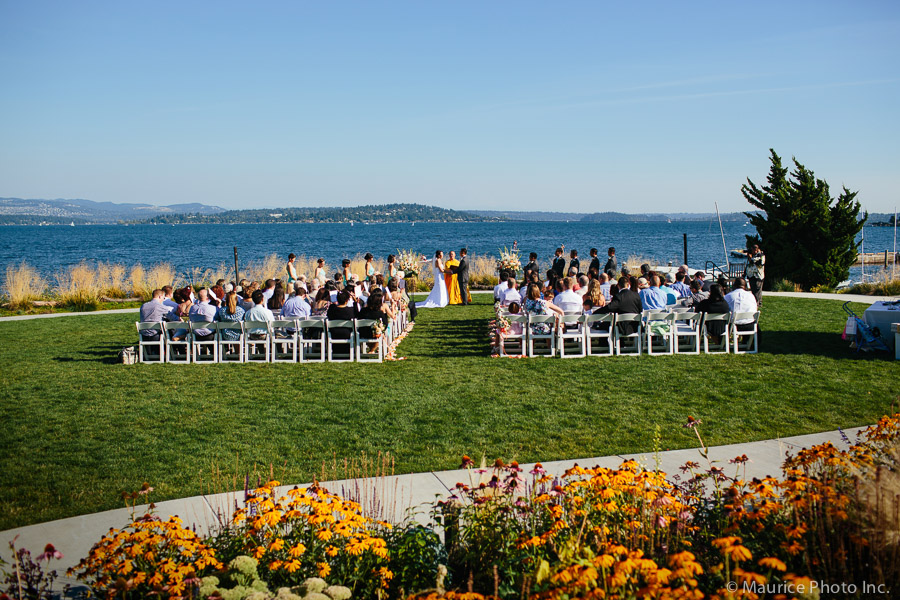 Photos of a wedding ceremony at the Seattle Tennis Club