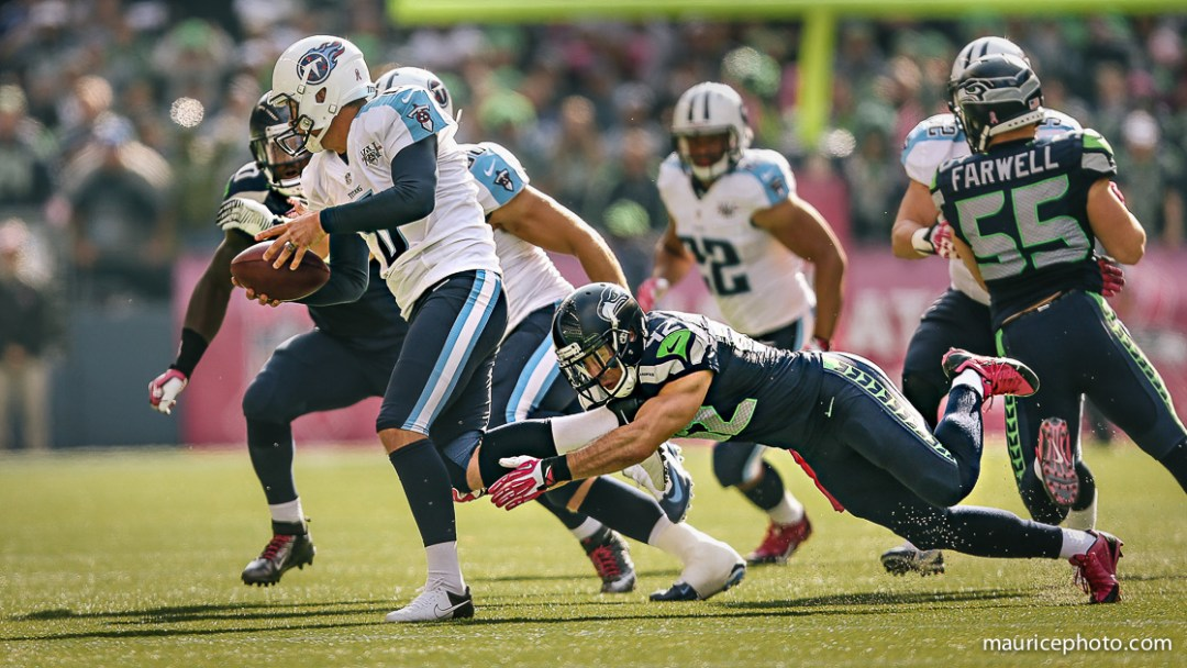 Titans QB sacked by Seahawks Chris Maragos